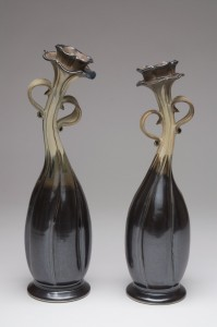 Dancing Couple - dark vases