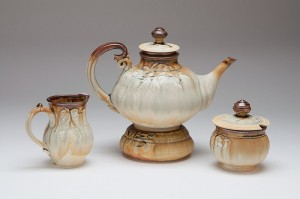 Brown and gold teaset
